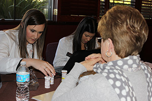 Student pharmacist provides Medicare Part D consultation.