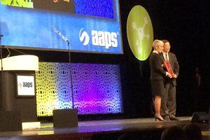 deans_letter_fall15_dr_li_educator_award_web