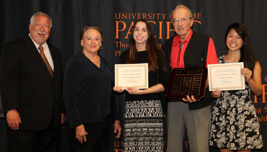 From left to right: Dean Oppenheimer, Elda Roscoe-Gustafson, Tobi Knepler-Foss, Frank Roscoe and Cori Sakoda at the Pharmacy Scholarship Ceremony.